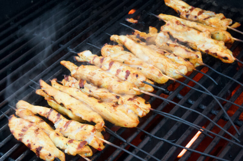 Grillade thai chicken satay-spett